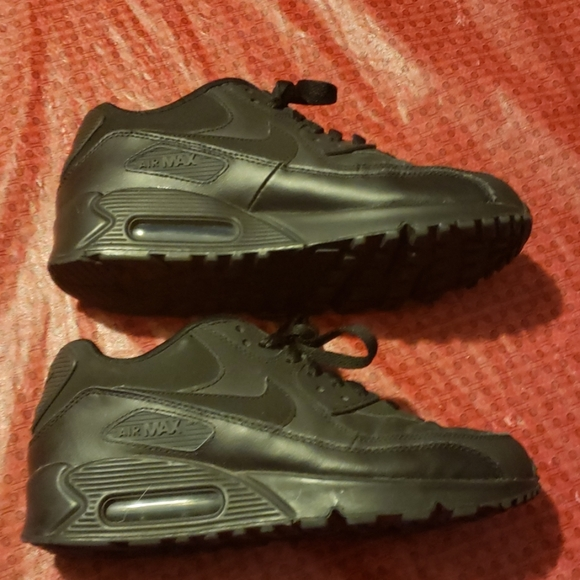 Nike Other - Nike air max size 6y